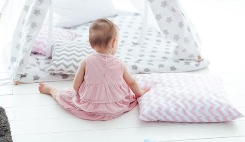 ¿Cuándo un bebé empieza a sentarse?