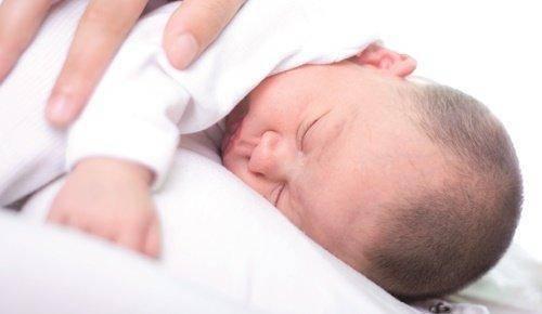 Las redes cognitivas del cerebro mejoran gracias a la música en bebés prematuros