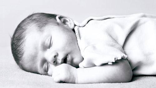 ¿qué es el ruido blanco y por qué adormece a los bebés?