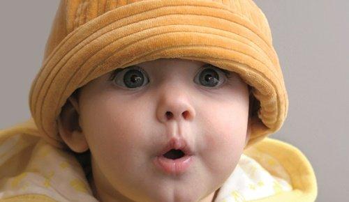 ¿a qué edad empiezan a hablar los bebés?