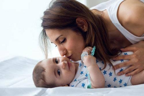 Lenguaje de signos en bebés. baby-sign