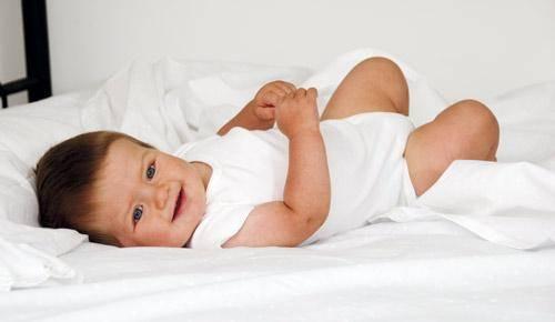 ¿cuándo un bebé aplaude?