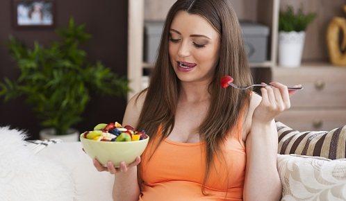 ¿qué debe comer una mujer embarazada en el desayuno?