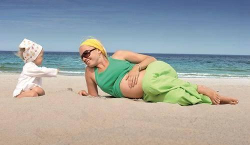 ¿una embarazada puede nadar en el mar?