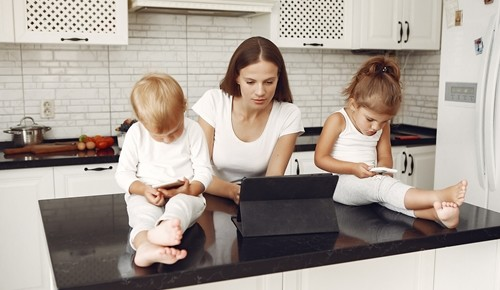 ¿a qué edad es recomendable darle una tablet a un niño?
