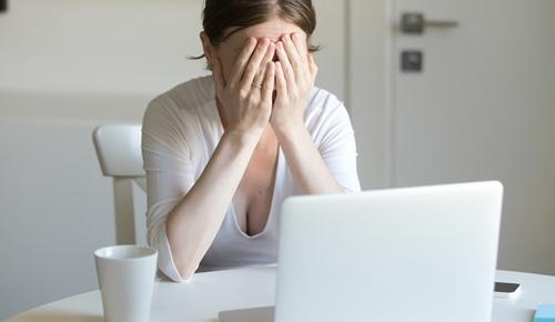 Estoy embarazada y mi jefe me trata mal