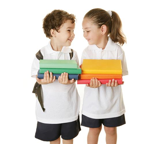 Las mochilas y la espalda de los niños