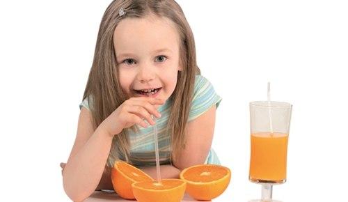 Jugo de frutas para niños