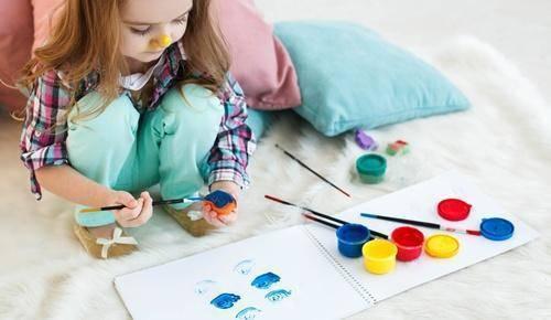 ¿cómo entretener a niños con manualidades?