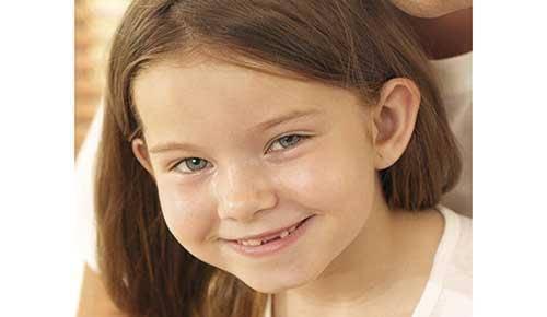 ¿Por qué los niños se muerden la lengua?