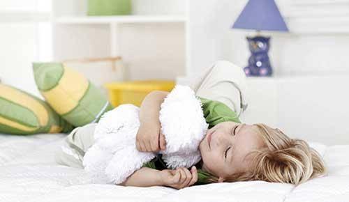 Técnicas para ayudar a tu hijo a dormir solo