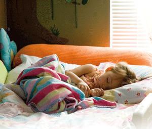 Qué hacer para que el niño duerma solo en su cama
