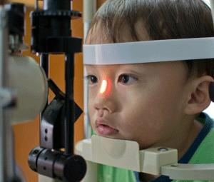 ¿Cuándo revisar la vista de los niños?