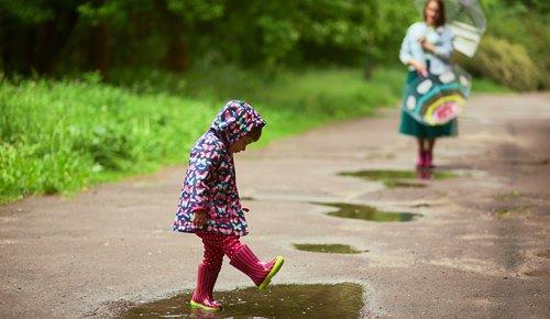 ¿cómo entretener a los niños cuando llueve?