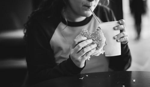 ¿cuántas calorías necesitan los niños al día?