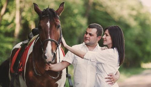 ¿puede una embarazada andar a caballo?