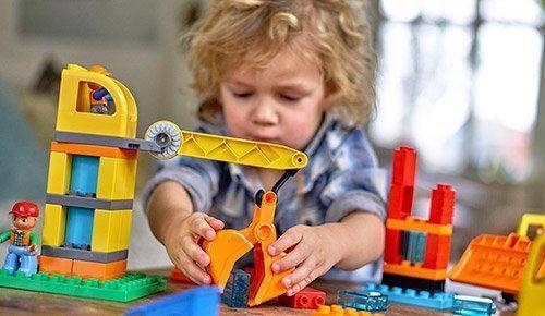 Juegos de bloques ¡un gran paso en el desarrollo motor y cognitivo!