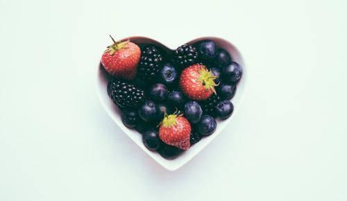 Por qué es importante que tu hijo tome la cantidad recomendada de fruta