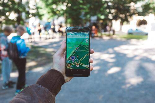 Por qué jugar a pokemon go en familia puede ser beneficioso para los niños