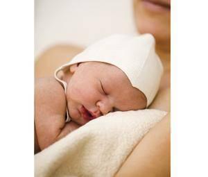 ¿Cómo sujetar a un recién nacido?