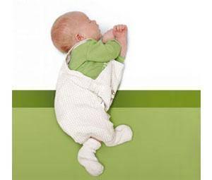 Gruñidos del bebé por la noche