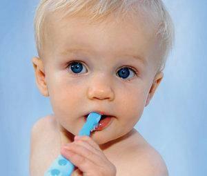 Hábitos de higiene de los dientes de leche