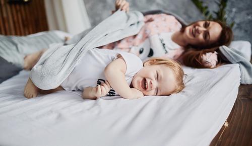 Por qué los bebés comen más de noche? - TodoPapás