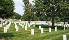 ¿Un bebé puede entrar en un cementerio?