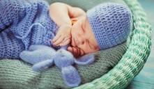 ¿Cuándo un bebé empieza a usar almohada?
