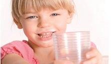 La leche de vaca ¿a partir de qué edad deberían los niños tomarla?