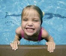 Juegos en la piscina para niños
