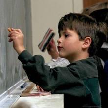 Enseñar al niño a escribir su nombre