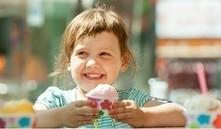 Bebés y helado, ¿cuándo pueden empezar a tomarlos?