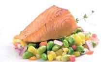 Bebés y salmón, un alimento muy saludable desde los 18 meses
