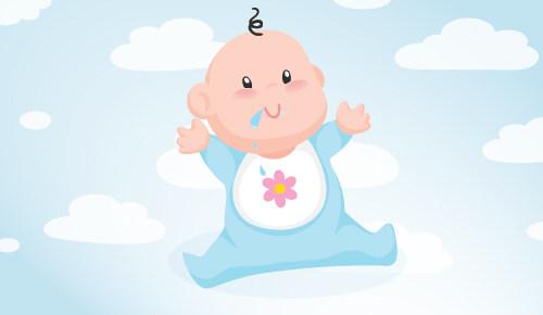 ¿Por qué mi recién nacido saca mucha saliva?