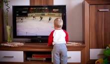 ¿Puede mi bebé ver televisión?