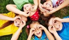¿Cómo entretener a niños en una fiesta de adultos?