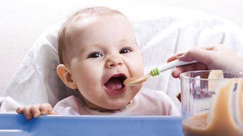 ¿A partir de qué edad los bebés pueden tomar gelatina?